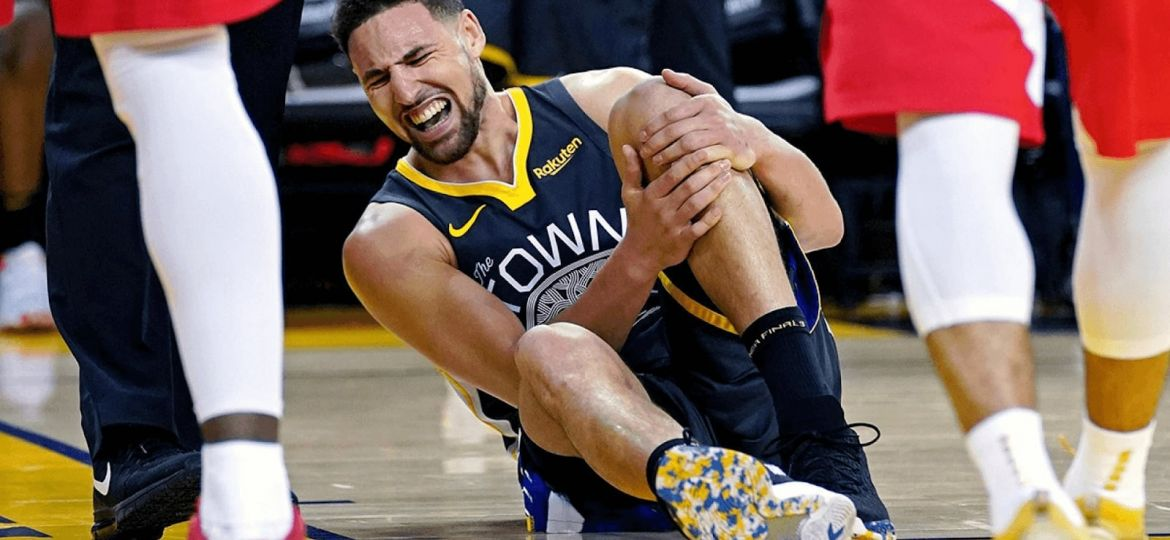 Klay-Thompson-suffering-from-ACL-Injury